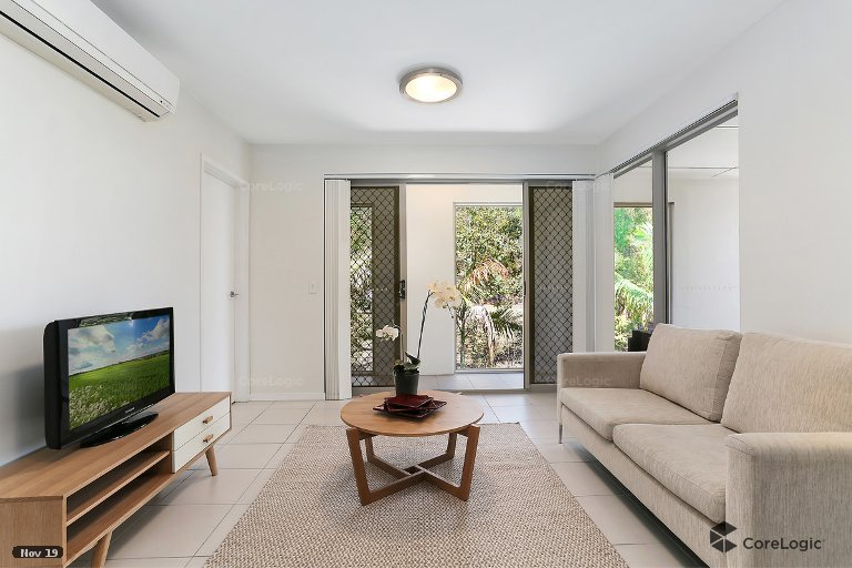 OpenAgent - 13/11 Riding Road, Hawthorne QLD 4171