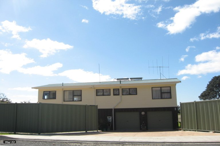 Photo of property in 96 Arawa Street, Matata, 3194
