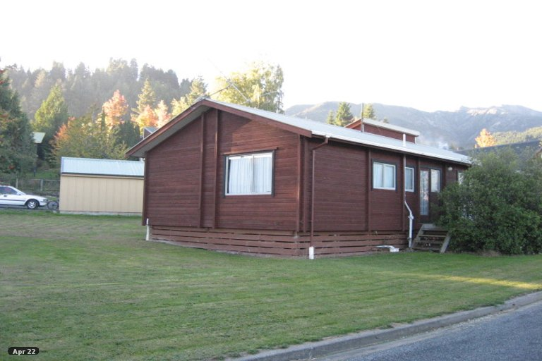 Photo of property in 16 Caverhill Close, Hanmer Springs, 7334
