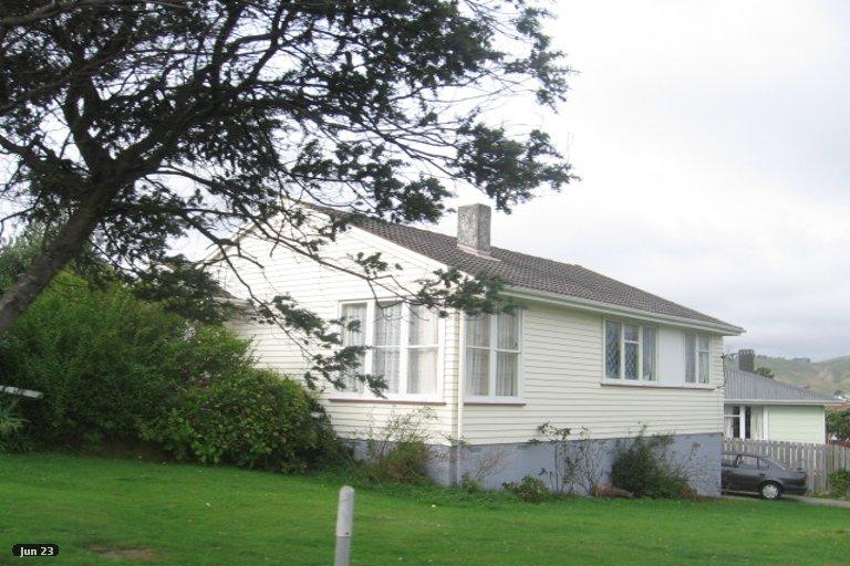 Photo of property in 50 Beauzami Crescent, Ascot Park, Porirua, 5024
