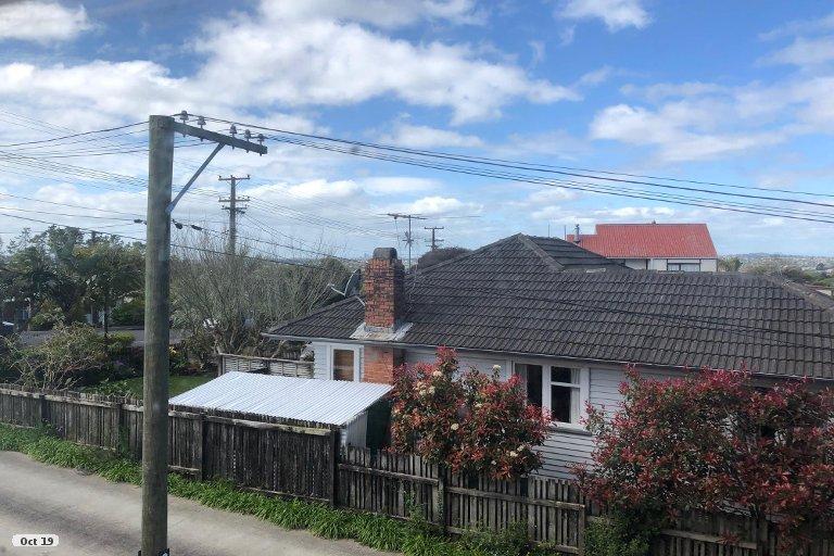Property photo for 17 Eastglen Road, Glen Eden, Auckland, 0602