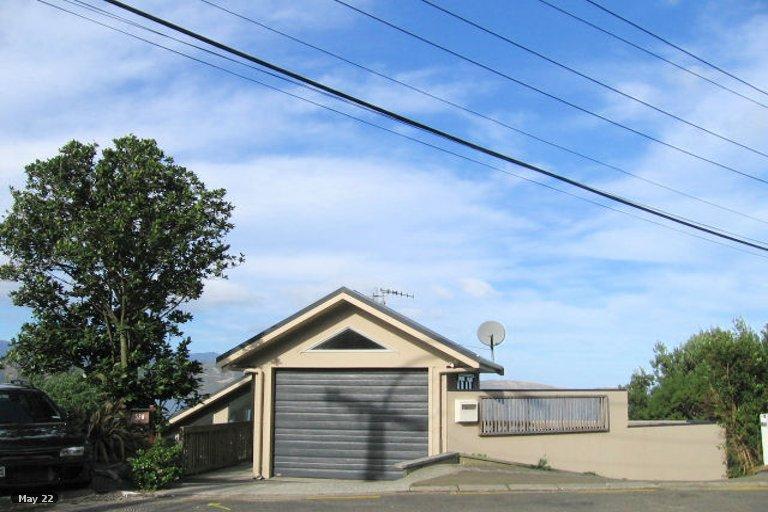 Photo of property in 52A Fortification Road, Karaka Bays, Wellington, 6022