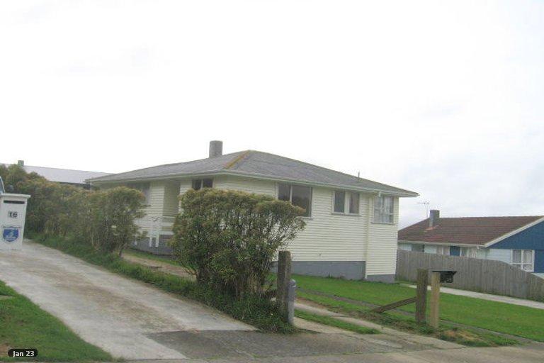 Photo of property in 12 Beauzami Crescent, Ascot Park, Porirua, 5024