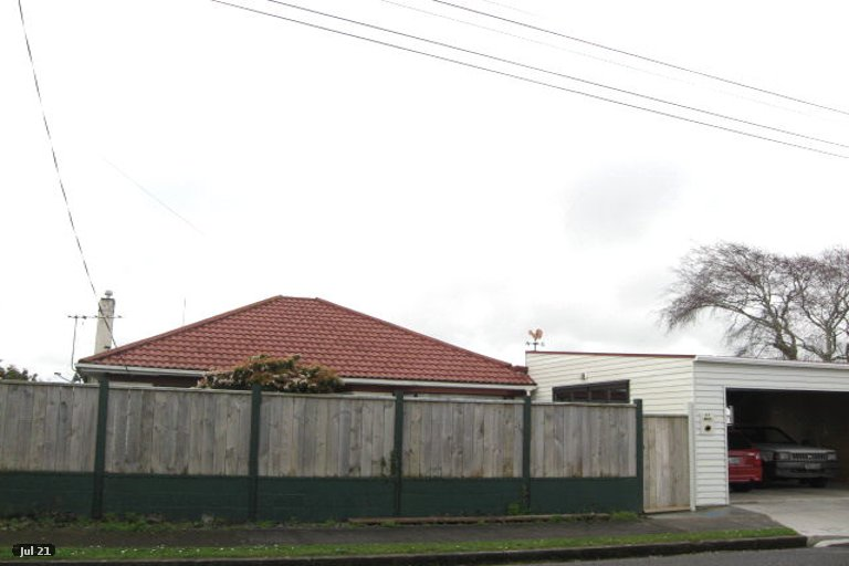 Photo of property in 35 Tokomaru Street, Welbourn, New Plymouth, 4312