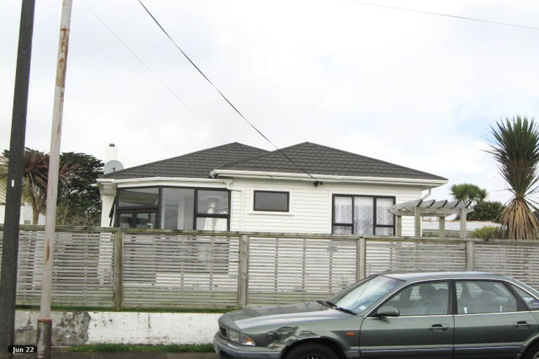 Photo of property in 43 Tokomaru Street, Welbourn, New Plymouth, 4312