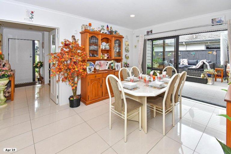 Photo of property in 9 Pickaberry Avenue, Karaka, Papakura, 2113