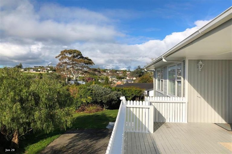 Property photo for 37 Advene Road, Cockle Bay, Auckland, 2014