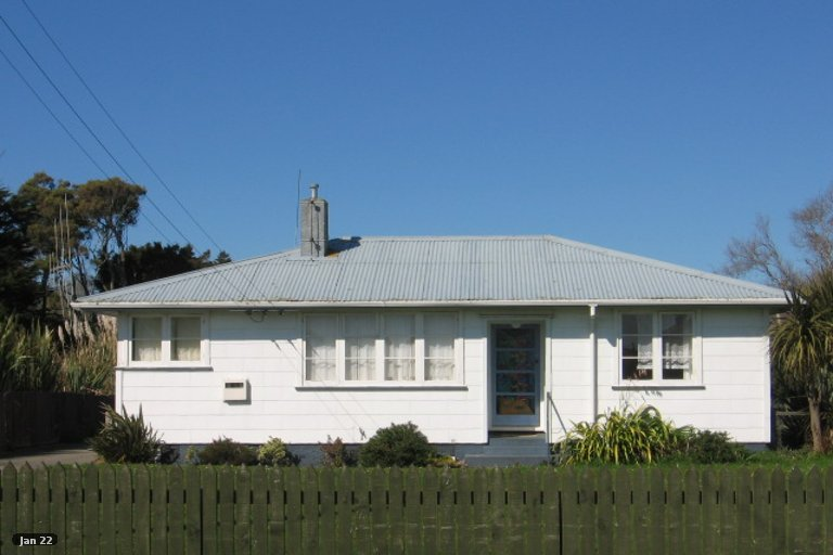 Photo of property in 8 Huntly Street, Foxton, 4814