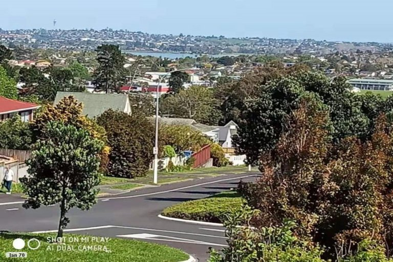 Property photo for 1/70 Highland Park Drive, Highland Park, Auckland, 2010