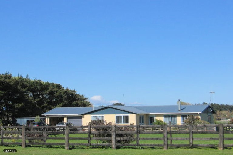 Photo of property in 112 Avenue Road, Foxton, 4891