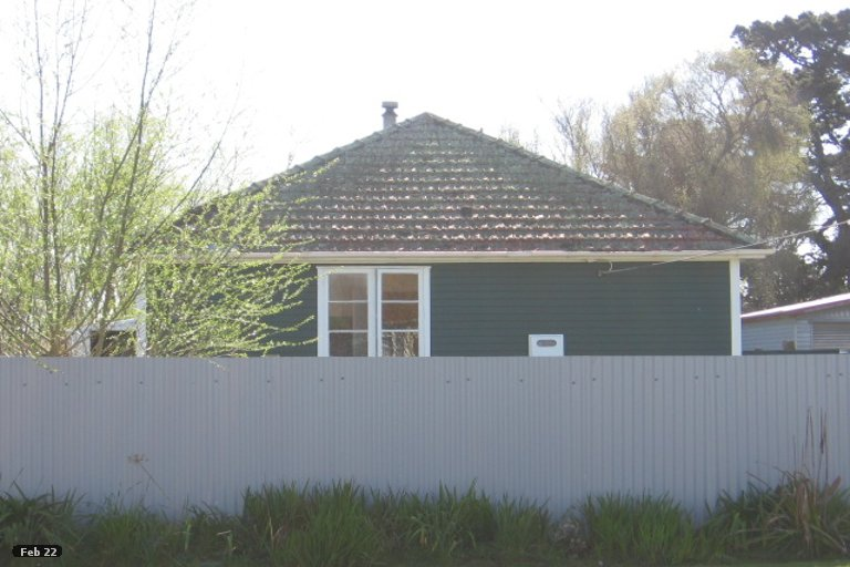 Photo of property in 9 Churchill Crescent, Foxton, 4814