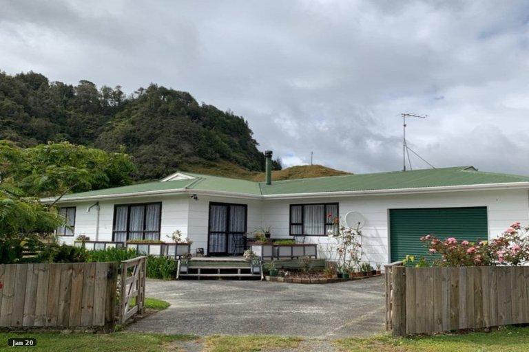Photo of property in 14 Okau Road, Ahititi, Urenui, 4378