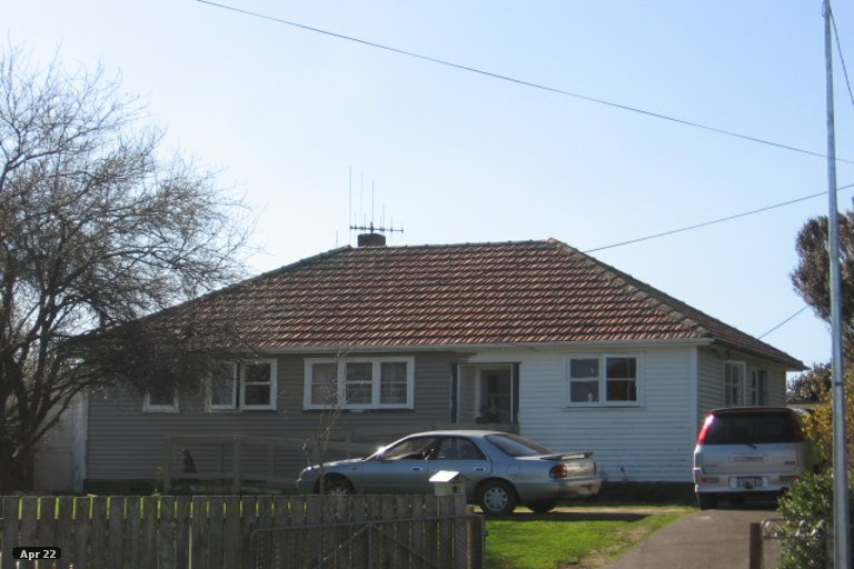 Photo of property in 13 Churchill Crescent, Foxton, 4814