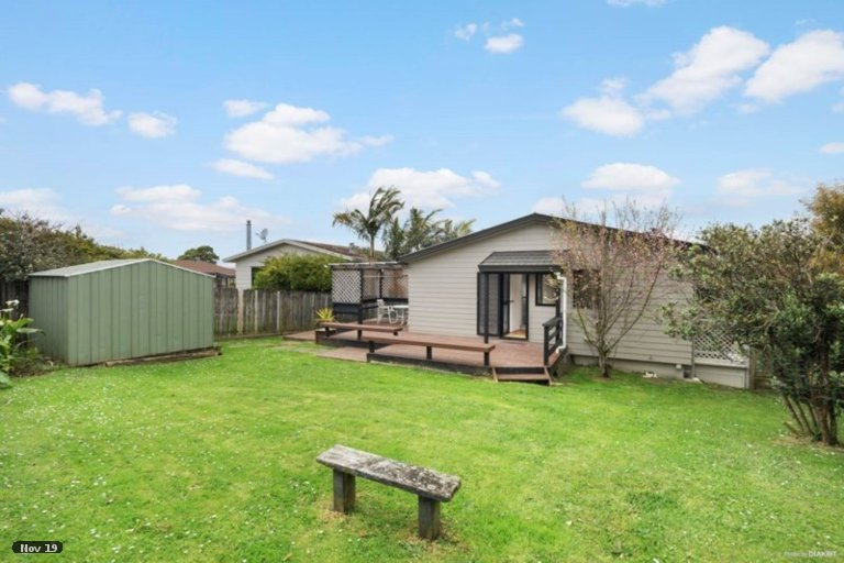 Property photo for 16 Gosford Drive, Botany Downs, Auckland, 2010