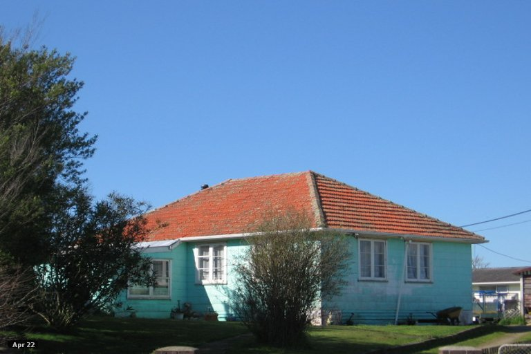 Photo of property in 14 Churchill Crescent, Foxton, 4814