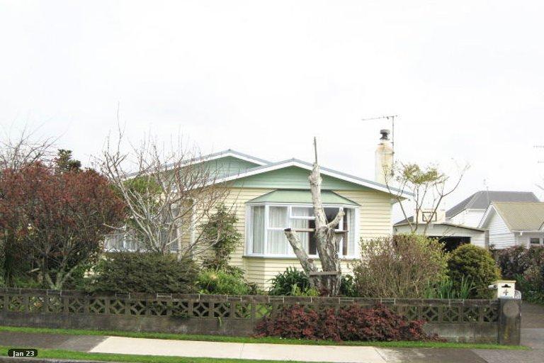 Photo of property in 4 Tokomaru Street, Welbourn, New Plymouth, 4312