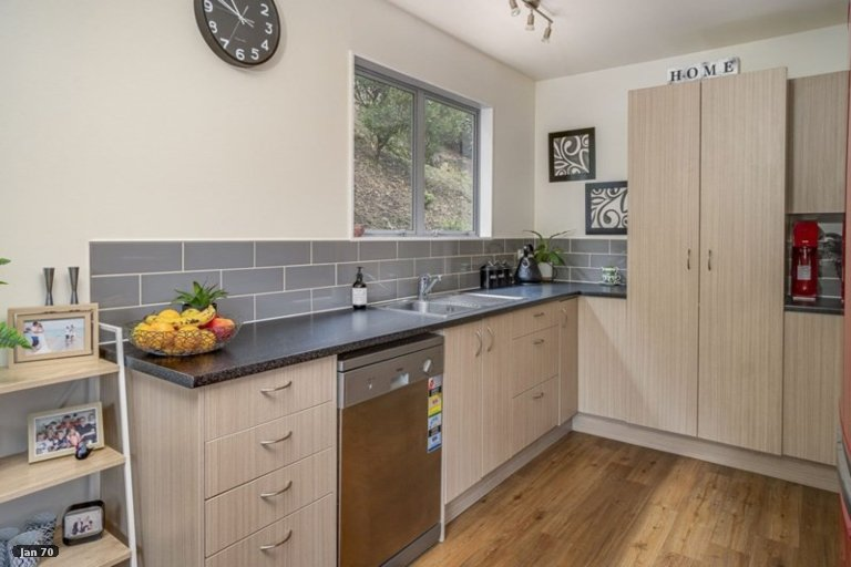 Photo of property in 53 Coster Street, Enner Glynn, Nelson, 7011