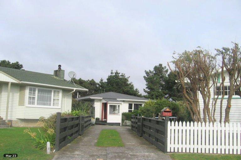 Photo of property in 21 Toporoa View, Ascot Park, Porirua, 5024