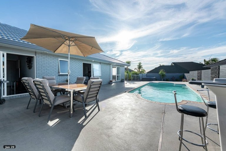 Property photo for 6 John Brooke Crescent, East Tamaki Heights, Auckland, 2016