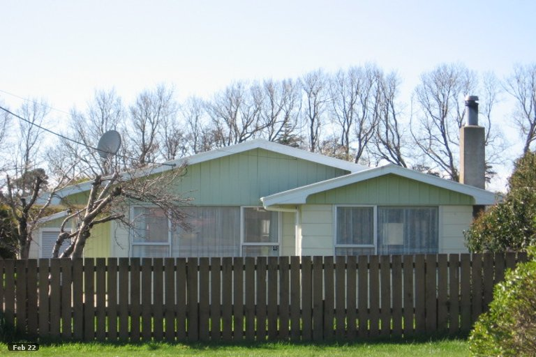 Photo of property in 77A Avenue Road, Foxton, 4814