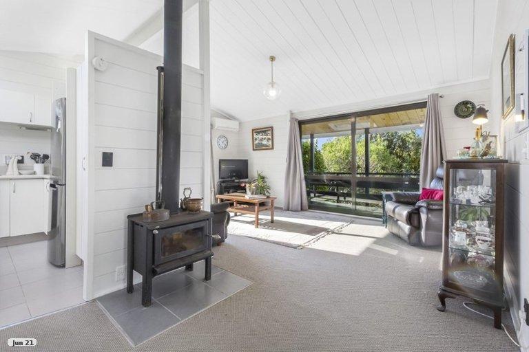Photo of property in 13 The Mainsail, Whitby, Porirua, 5024