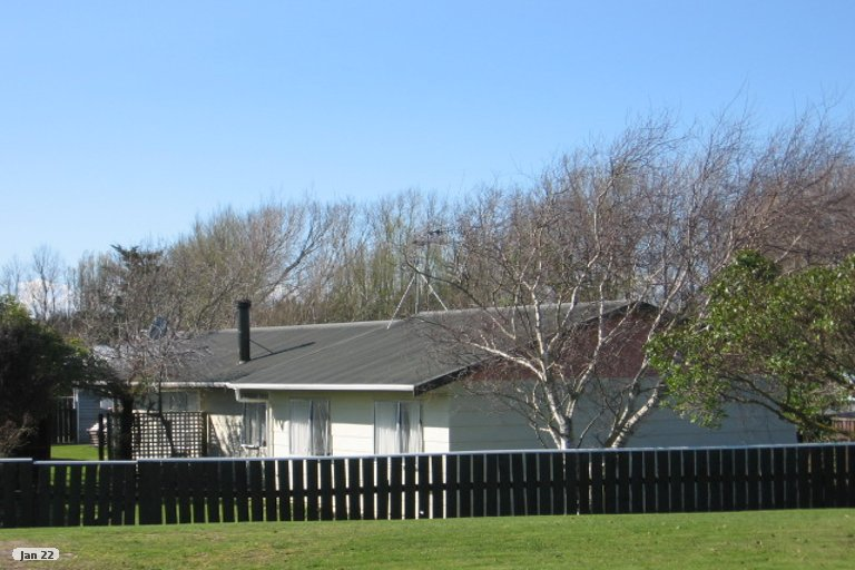 Photo of property in 71 Avenue Road, Foxton, 4814