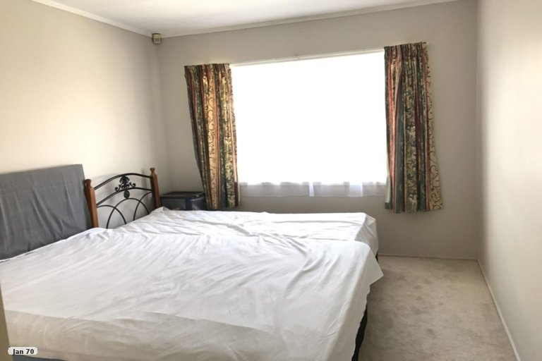 Property photo for 1/1 Ballater Place, Highland Park, Auckland, 2010