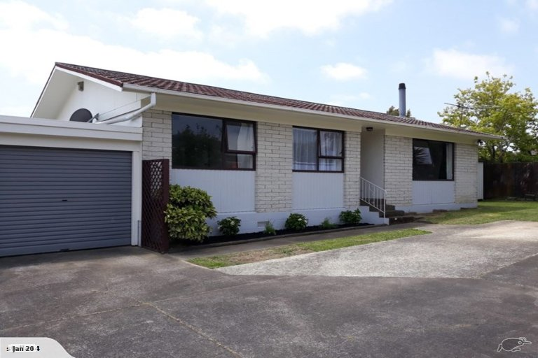 Property photo for 2/32 Ballater Place, Highland Park, Auckland, 2010