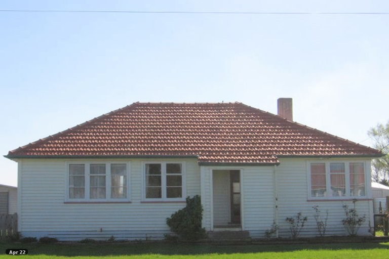 Photo of property in 3 Churchill Crescent, Foxton, 4814
