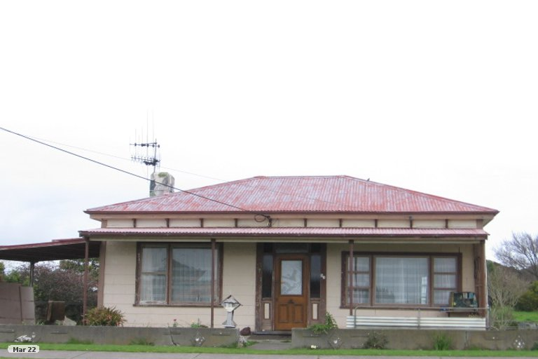 Photo of property in 54 Avenue Road, Foxton, 4814