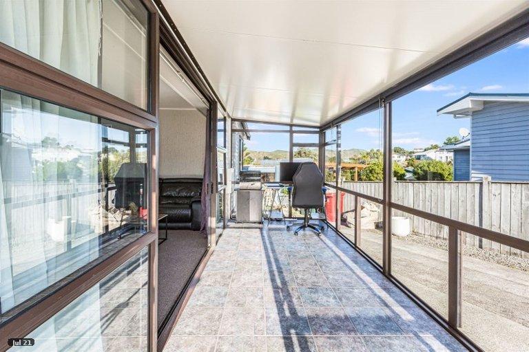 Photo of property in 42 Beaumaris Crescent, Ascot Park, Porirua, 5024