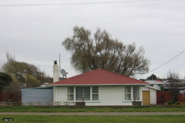 Photo of property in 64 Avenue Road, Foxton, 4814