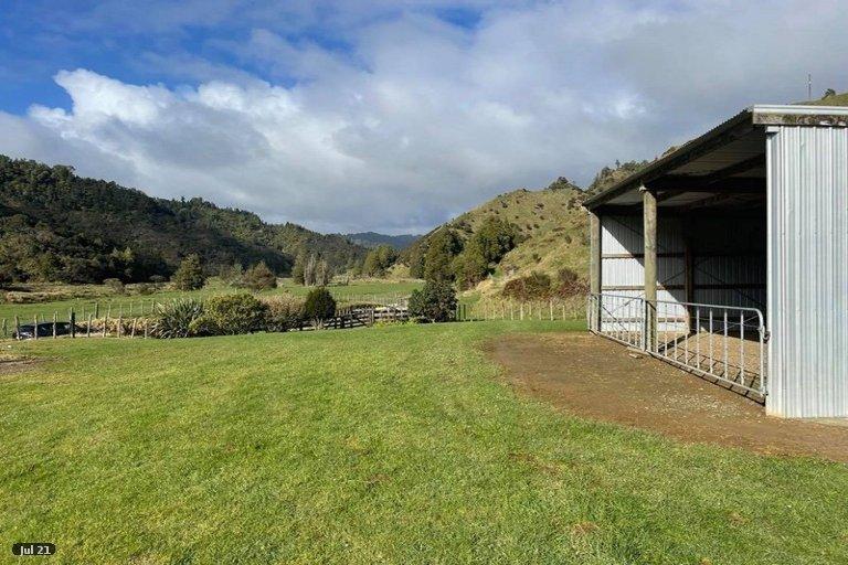 Photo of property in 254 Mangaonga Road, Ahititi, Urenui, 4378