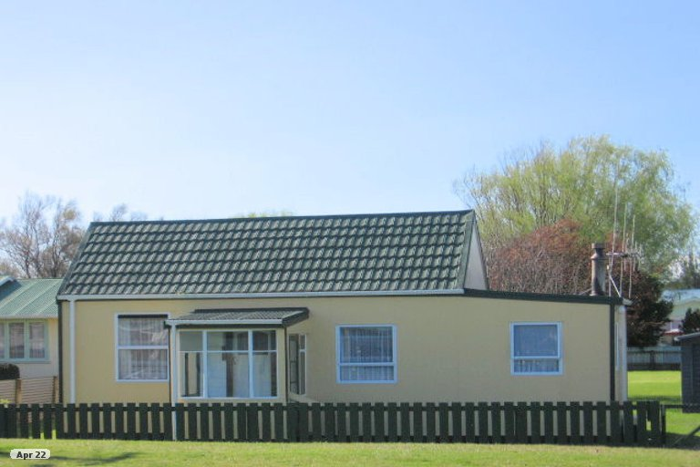 Photo of property in 45 Avenue Road, Foxton, 4814
