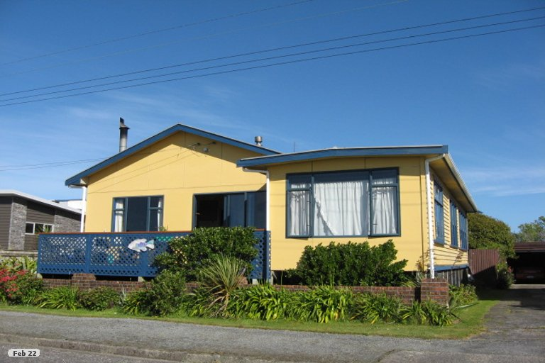 Property photo for 9 Marine Parade, Carters Beach, Westport, 7825