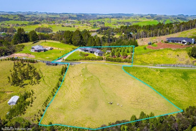 Photo of property in 63 Moses Road, Kaukapakapa, 0873