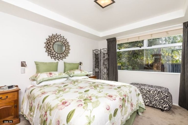 Photo of property in 15 Kurupae Road, Hilltop, Taupo, 3330