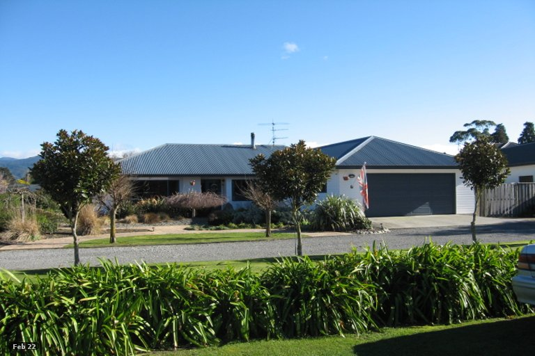 Photo of property in 8 Mole Street, Greytown, 5712