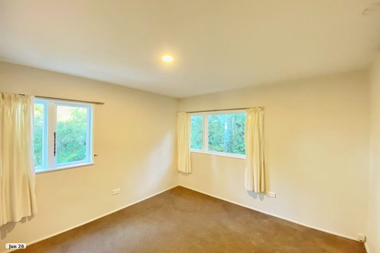 Photo of property in 77 Attwood Road, Paremoremo, Auckland, 0632