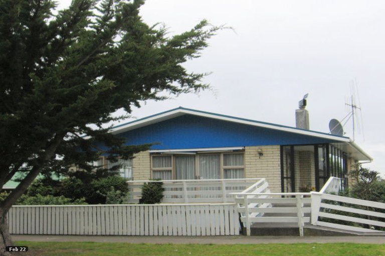 Photo of property in 32 Avenue Road, Foxton, 4814
