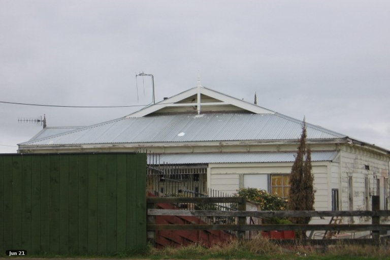 Photo of property in 40 Avenue Road, Foxton, 4814