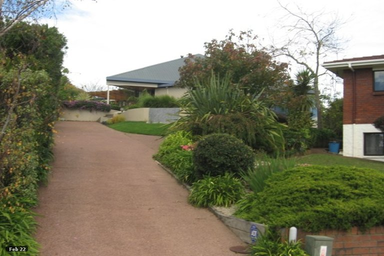 Property photo for 20 Pitlochry Place, Highland Park, Auckland, 2010