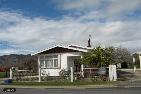 Photo of property in 18 Motupipi Street Takaka Tasman District