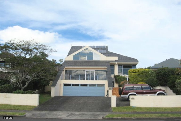 Property photo for 18 Pitlochry Place, Highland Park, Auckland, 2010