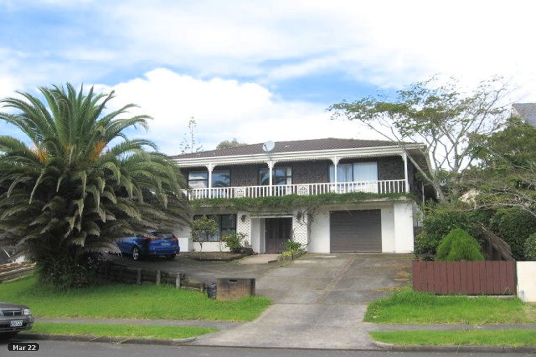 Property photo for 16 Pitlochry Place, Highland Park, Auckland, 2010