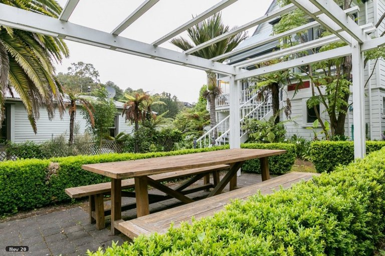 Photo of property in 8 Burke Street, Hospital Hill, Napier, 4110