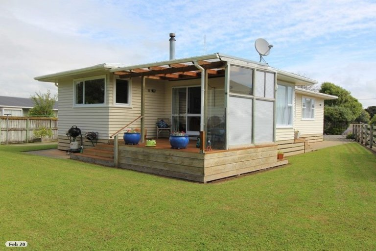 Photo of property in 41A Avenue Road, Foxton, 4814