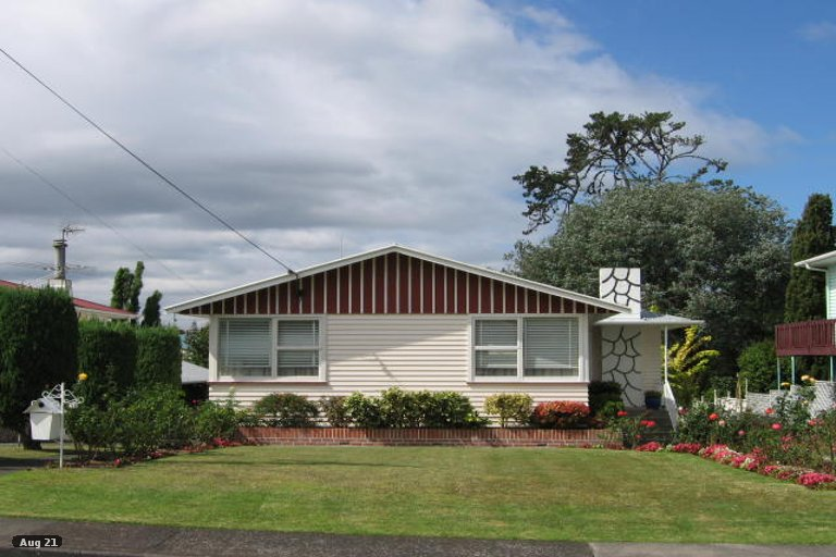 Property photo for 11 Palmer Avenue, Glen Eden, Auckland, 0602