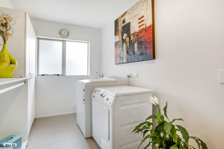 Photo of property in 8 Allium Avenue, Karaka, Papakura, 2113