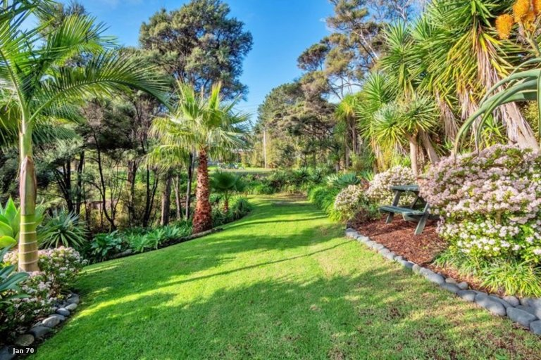 Photo of property in 84 Attwood Road, Paremoremo, Auckland, 0632